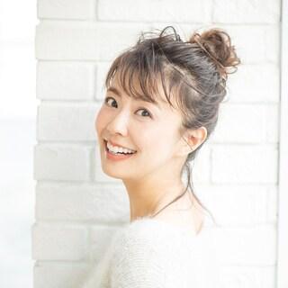 【5分で簡単ヘアアレンジ4選】小林麻耶さん「こなれ感が出ておしゃれに変身」