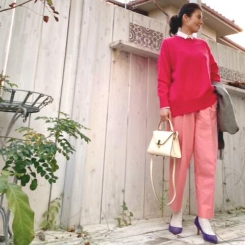 ピンク×ピンクコーデの差し色は、やっぱりこの色!