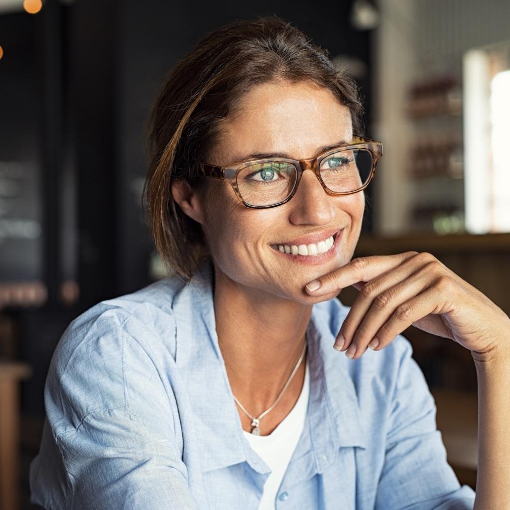 【40代からのメガネ選び】大人世代におすすめの高見え&トレンドメガネ8選