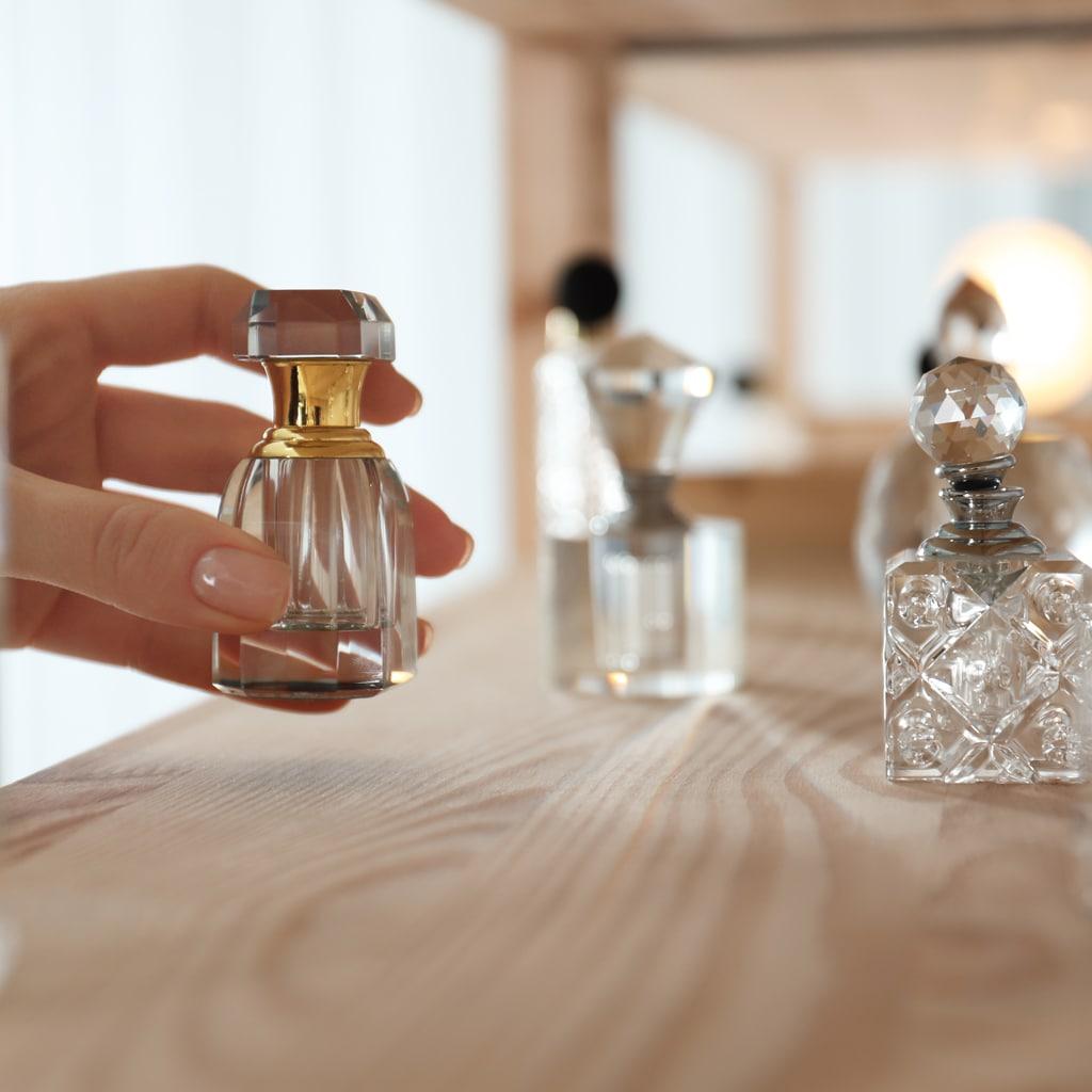 香りのプロが自分らしい香りの選び方を伝授。マスク時代の香水選びのコツとは?