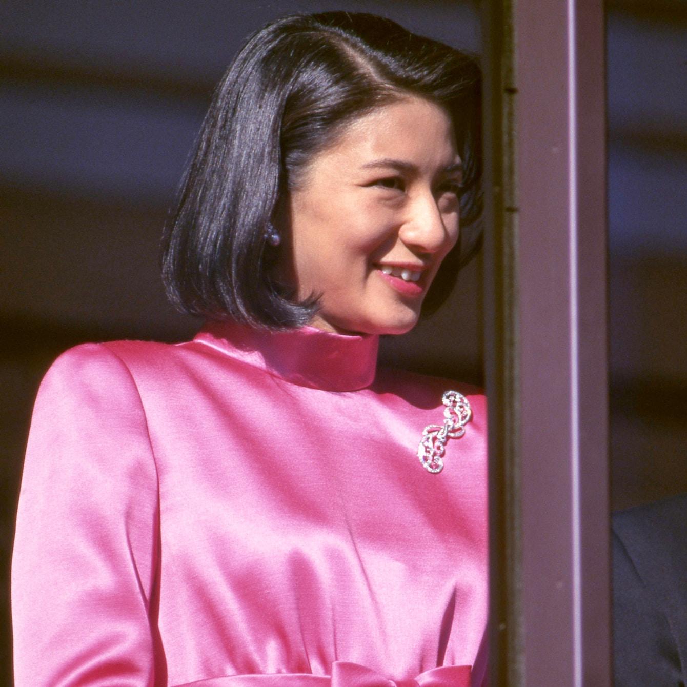 【雅子さまファッション】色鮮やかで華麗なロイヤルスタイル3選