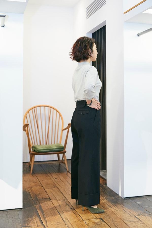 158㎝、42歳。普通の婦人がスタイルアップして見えるパンツって?〜①ウールパンツ編〜スライダー3_2