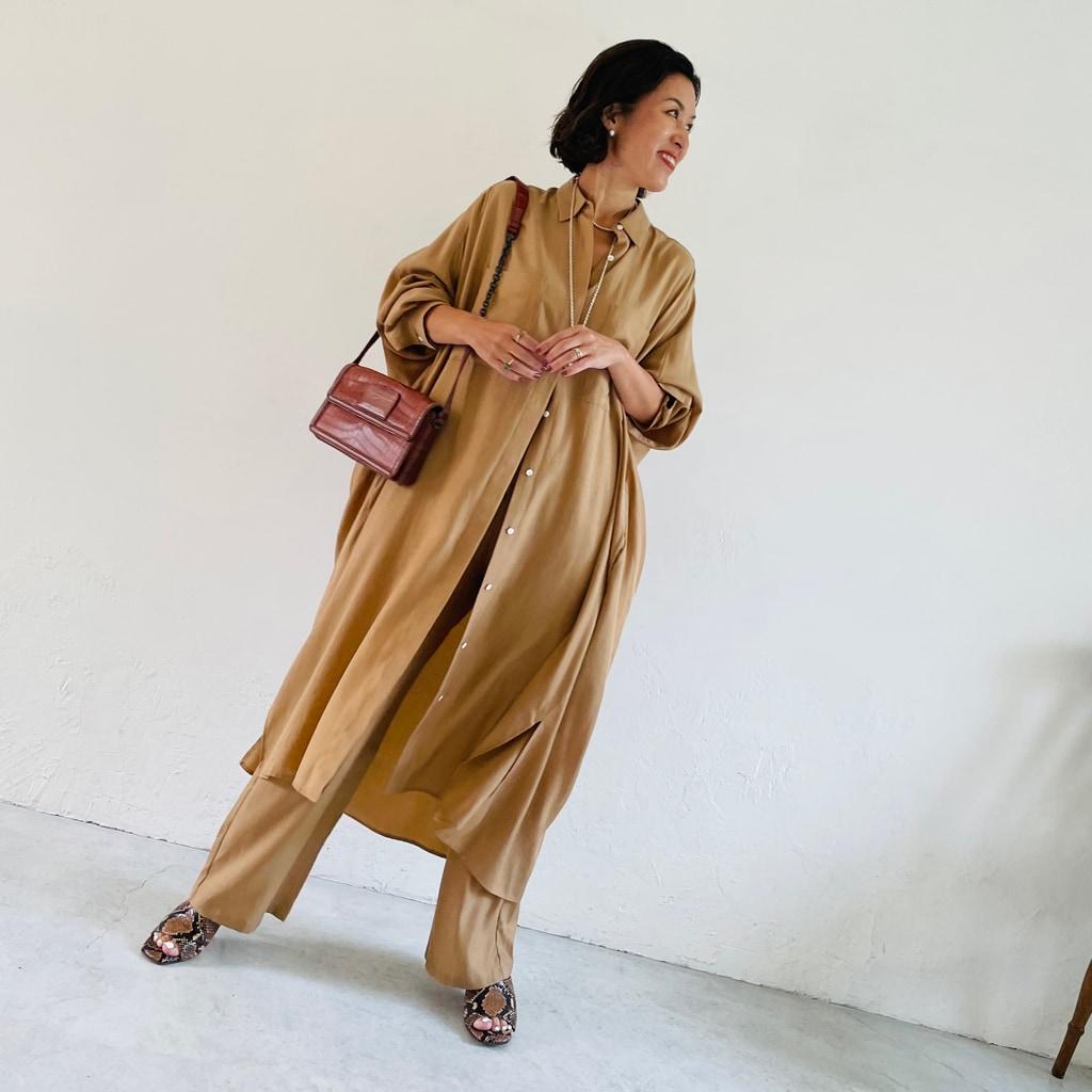 ロングシャツとパンツ――新しいセットアップの考え方