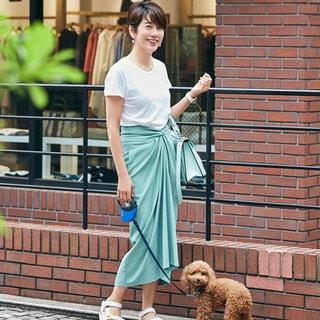 【40代コーデ】久しぶりの外出は気持ちがアガる「華やぎ色」スカートで