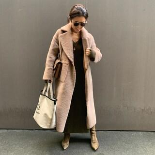 【大草直子】黒に頼らない着こなしのポイントは色合わせ!