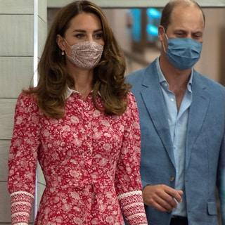 キャサリン妃の最新お気に入りワンピースの共通点は清楚で品のある「白襟」