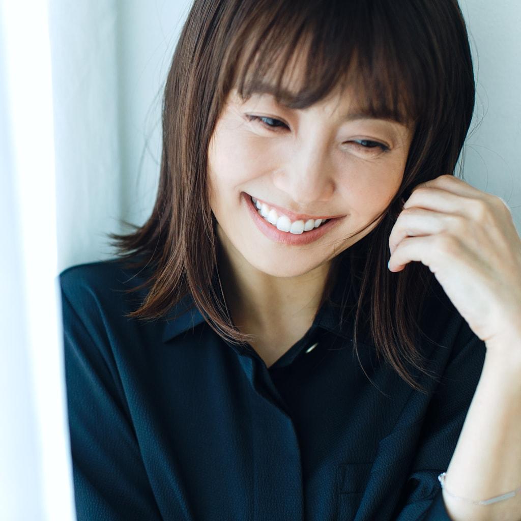 【小林麻耶さんインタビュー】洋服は5枚に…夫と出会えたのは断捨離のおかげもあります