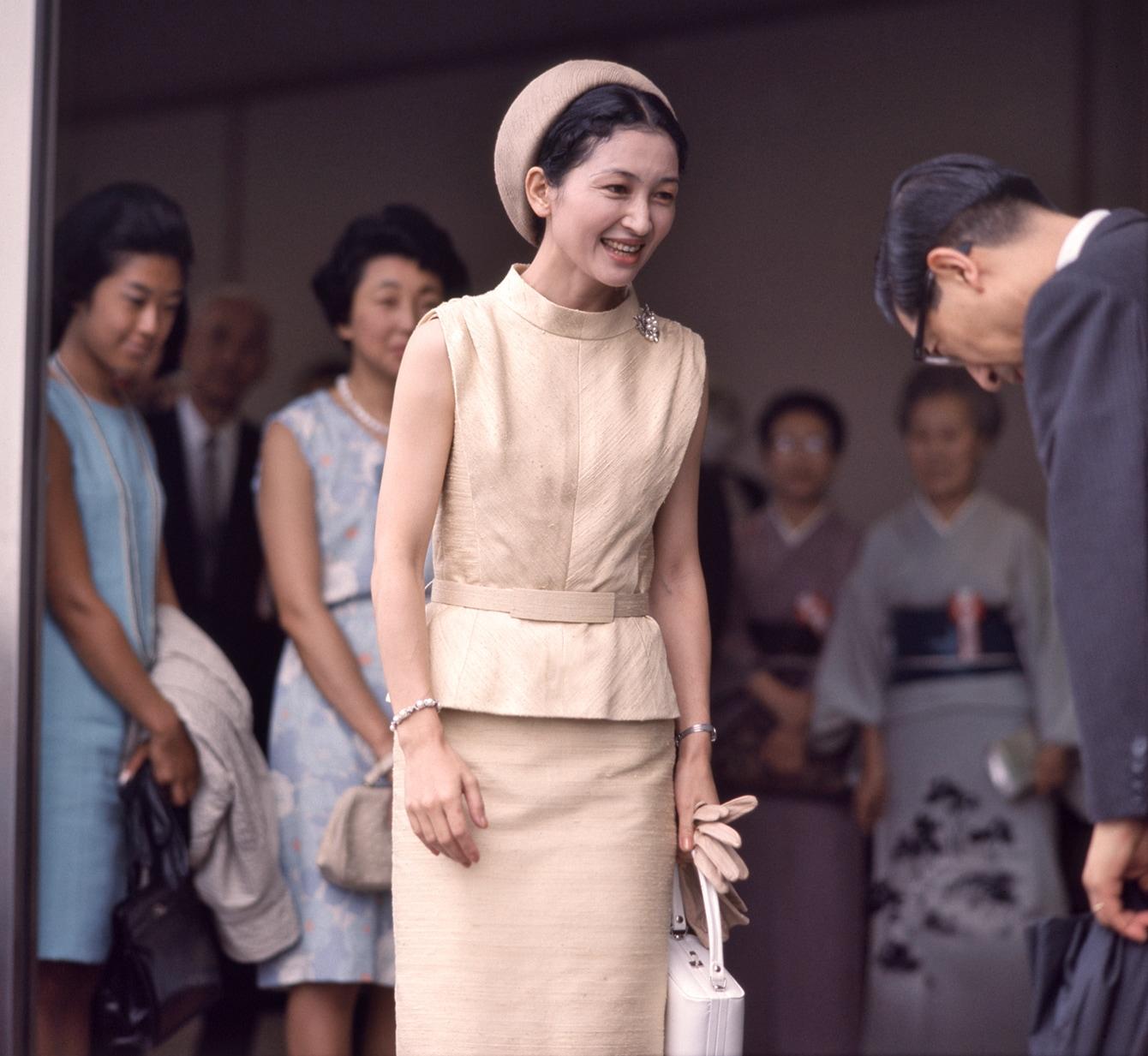 【美智子さまファッション】ミモレ読者に人気のコーディネートトップ5