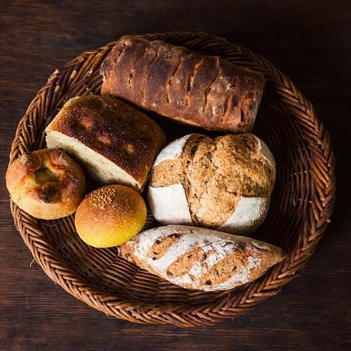 【パンのお取り寄せ】名店の味を自宅で!「人気パン&パンのおとも」7選