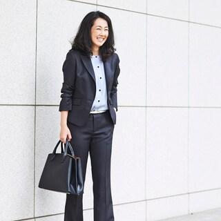 金融系勤務の荒川真帆さんの場合スーツのインナーと小物をリフレッシュ