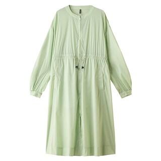 【梅雨に便利な服】レインコートよりおしゃれな撥水・防水素材アイテム14選