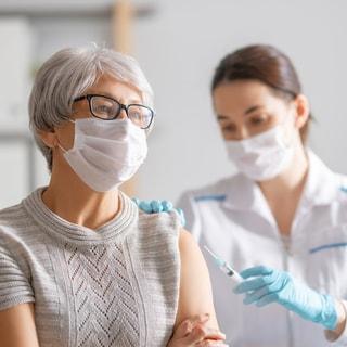 アレルギーがある人はワクチン接種を受ける?受けない?【医師の回答】
