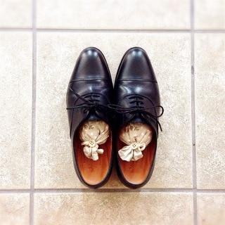 「男靴」磨き。