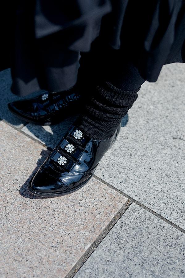 """ドレスアップする日はシックな黒。小さな""""可愛い""""をさりげなく自分のためにスライダー1_3"""