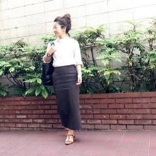 暑い日に敢えて長袖を着てみる by鈴木亜矢子
