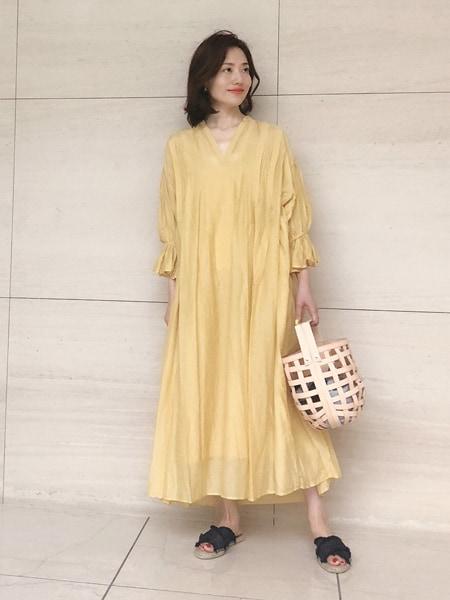 【動画あり】ミモレッタ山根亜希子さんがセレクト!海に似合うワンピースが欲しい!スライダー1_1