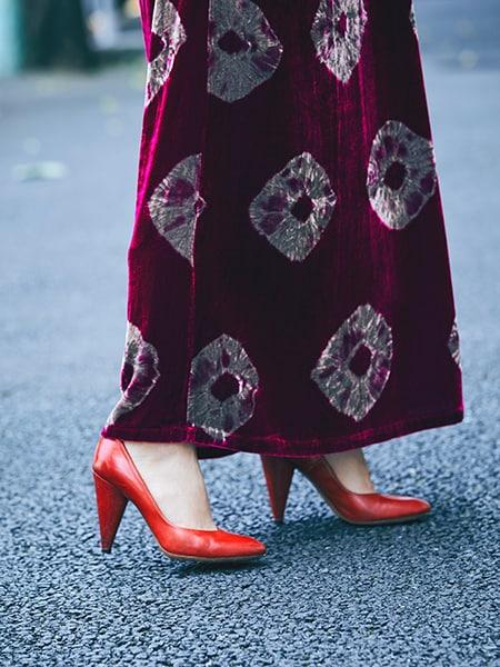ロングセラーのジャケットを羽織ってエレンガントなドレスを日常にスライダー1_3