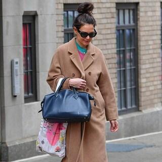 【ケイティ・ホームズ】大人の冬コート、シンプルでこなれて見える方法5選