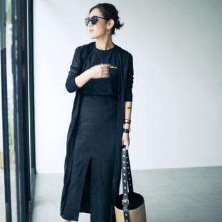 「黒」は、素材と口紅で着る【動画】