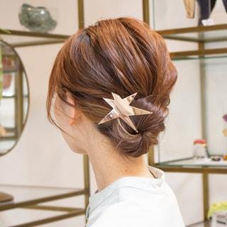まとめ髪が劇的におしゃれになる「髪の引き出し方」【ポイント解説動画】
