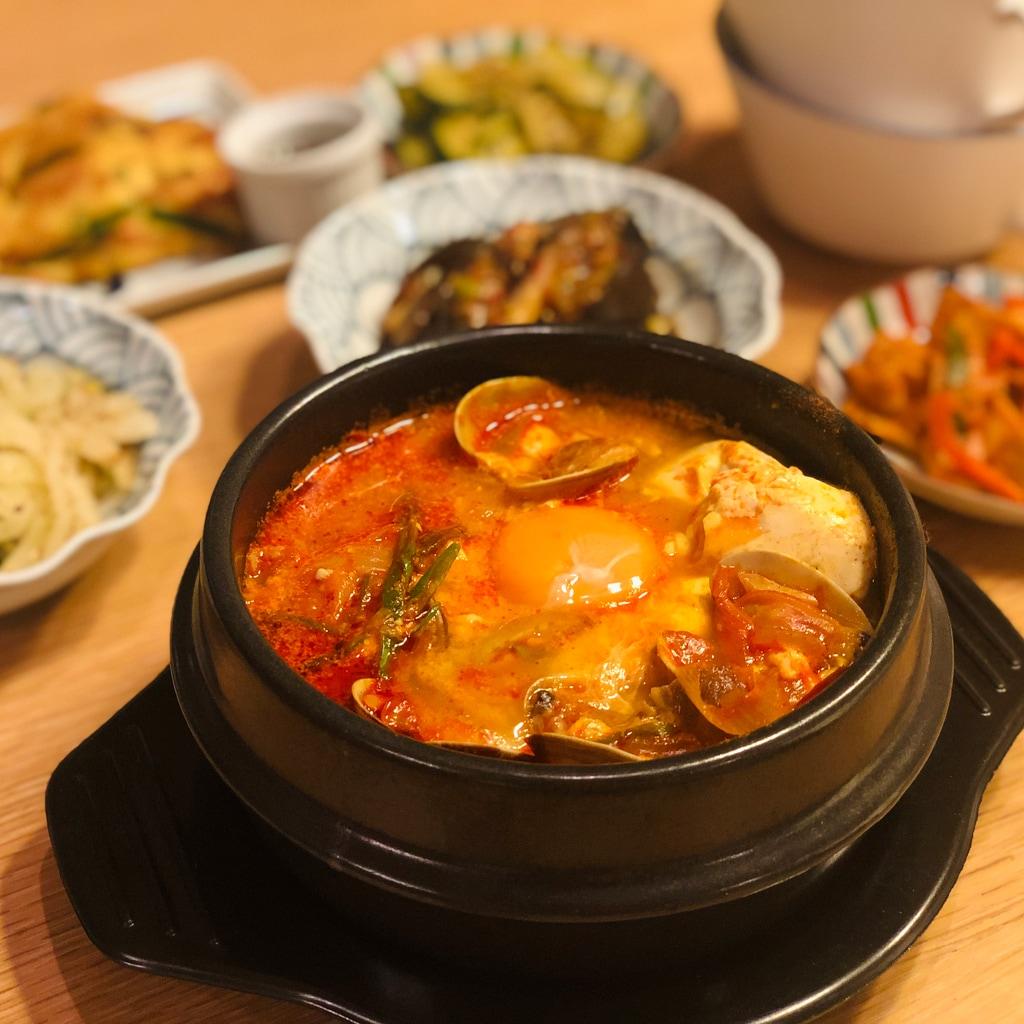 『梨泰院クラス』の世界にどっぷり!スンドゥブのレシピ【おうちで韓国ドラマごはん】