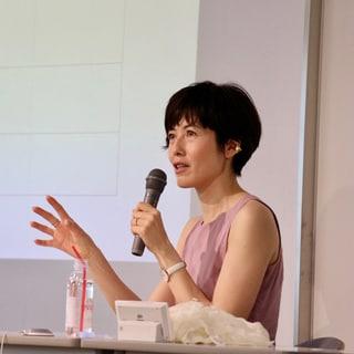 """小島慶子さんが語る「ロールモデルの""""呪い""""に気づいてラクになる方法」"""