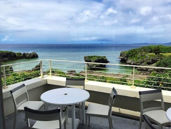 【Go To トラベル】沖縄本島から船で20分、知る人ぞ知る秘境とおすすめホテルリストスライダー1_1
