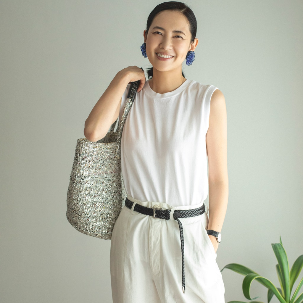 大人は白Tシャツを2種類持っておくべき理由。選び方・大人の着こなしのコツは?