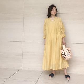 【動画あり】ミモレッタ山根亜希子さんがセレクト!海に似合うワンピースが欲しい!